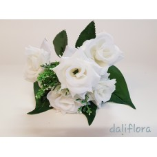 Dirbtinių gėlių puokštė. Spalva balta