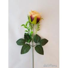 Dirbtinių rožių žiedai. Spalva dvispalvė