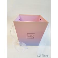 Dekoratyvinė gėlių dėžutė. Spalva pastelinė