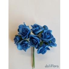 Dirbtinių rožių puokštė