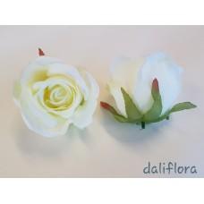 Dirbtiniai rožių žiedai. Spalva balta