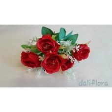 Dirbtinių rožių puokštė. Spalva raudona