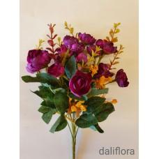 Dirbtinių gėlių puokštė. Spalva bordo