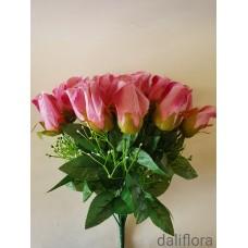Dirbtinių rožių puokštė. Žiedų spalva ružava