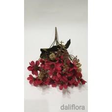 Dirbtinių gėlių puokštė. Spalva burgundiška