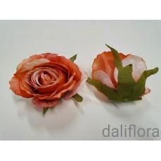 Dirbtinių rožių žiedai. Spalva rusva su oranžine