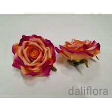 Dirbtinių rožių žiedai. Spalva oranžinė su rausva