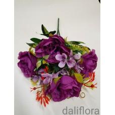 Dirbtinių gėlių puokštė. Spalva tamsiai violetinė