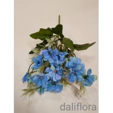 Dirbtinių gėlių puokštė. Spalva mėlyna