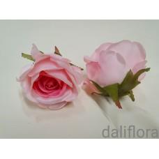 Dirbtiniai rožių žiedai. Spalva ružava su ryškiu viduriuku
