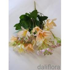 Dirbtinių gėlių puokštė. Spalva gelsva