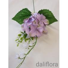 Dirbtinių hortenzijų žiedai. Spalva violetinė