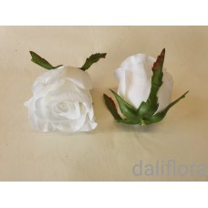 Dirbtinių rožių žiedai. Spalva balta